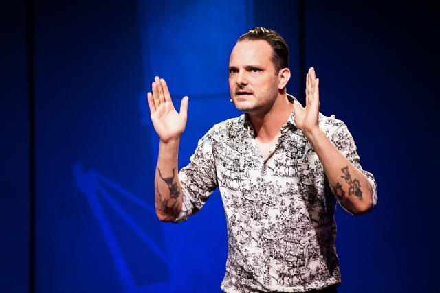 Comedy Talent Show Sendung 1 2019 Dominic Deville