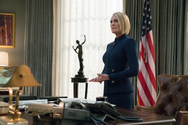 House of CardsStaffel 6 Folge 1 Endlich selber an der Macht: Robin Wright als Claire Underwood